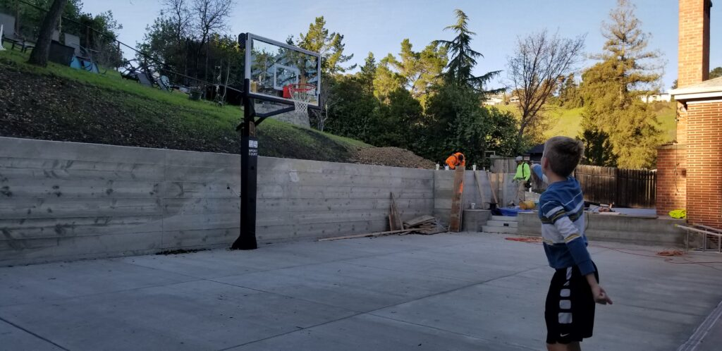 Concrete retaining wall contractor near me walnut creek