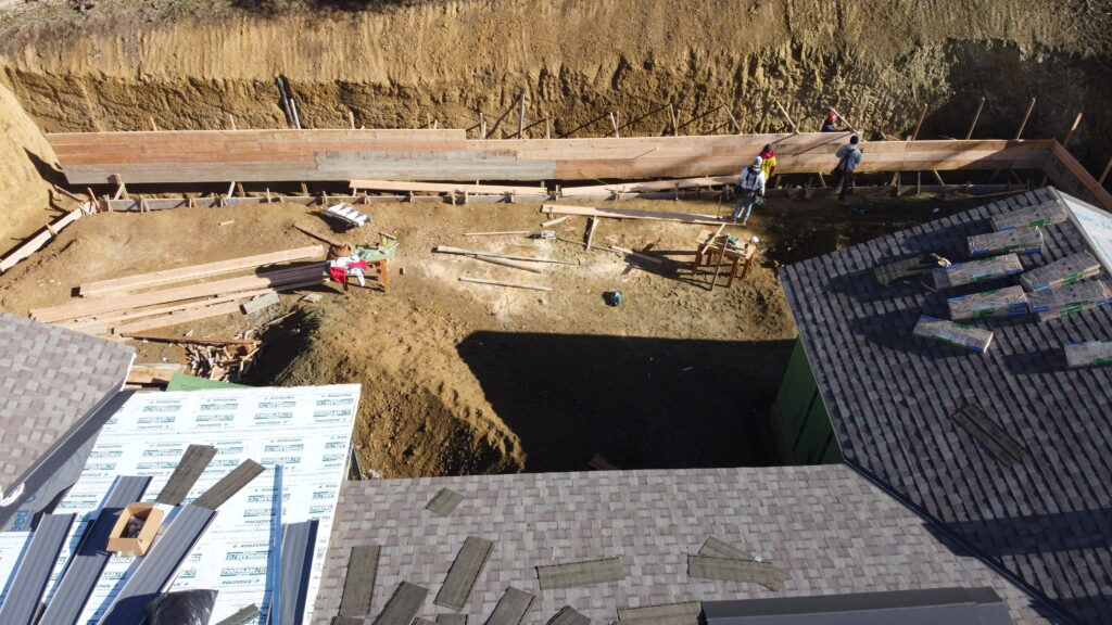 How to build a concrete retaining wall Bay area