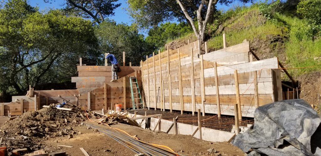 How to build a concrete wall Near Oakland
