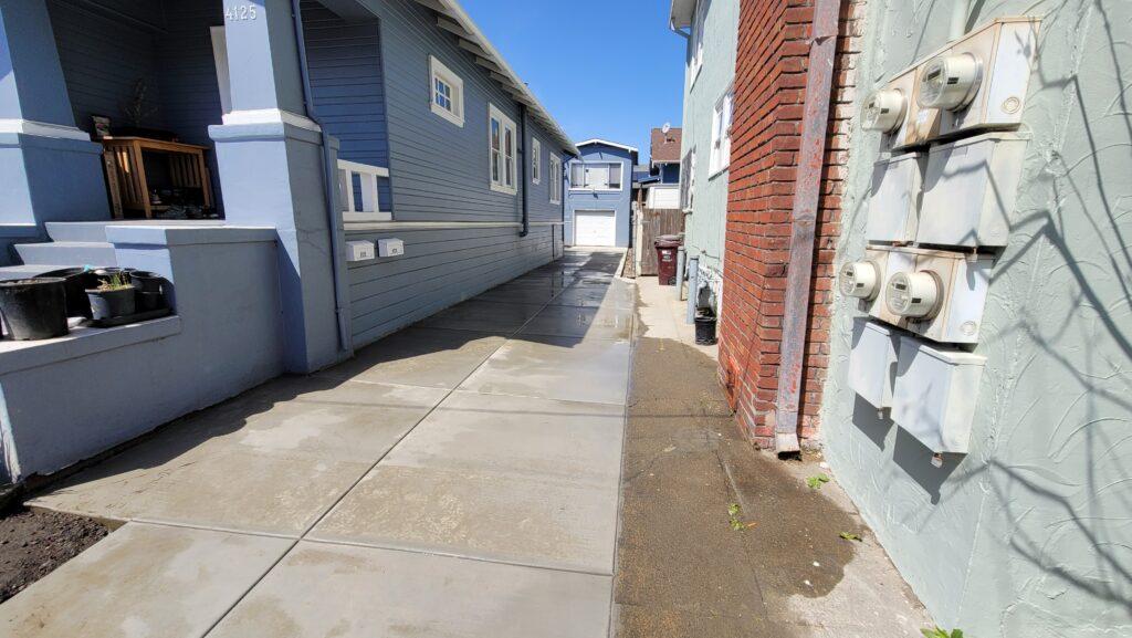 Oakland Concrete driveway Broom Finish