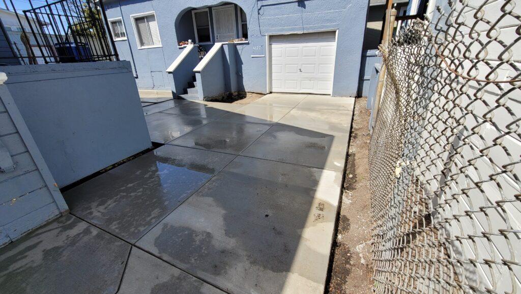 Oakland Broom Finish Concrete Driveway
