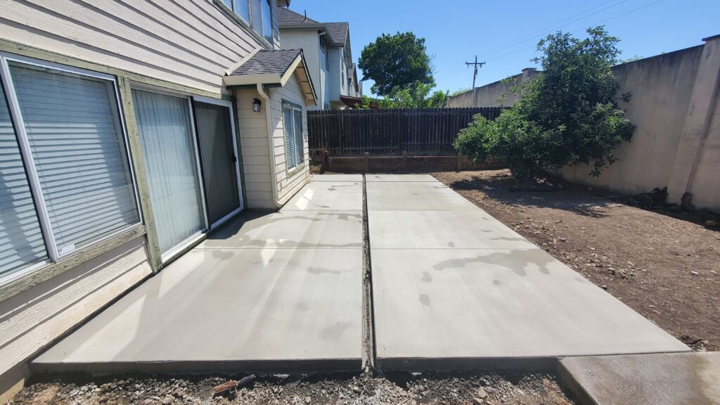 How much do a concrete patio cost in Bay area