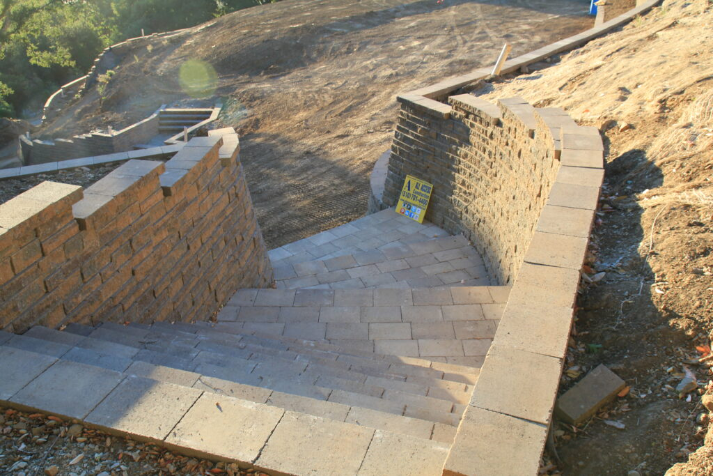 How To Build stairs out of belgard blocks