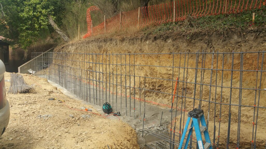 How to install rebar for retaining wall