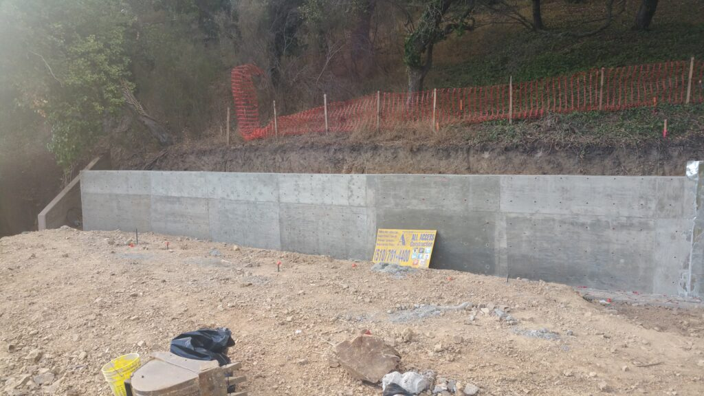 Poured In Place Retaining Wall Piedmont Cali