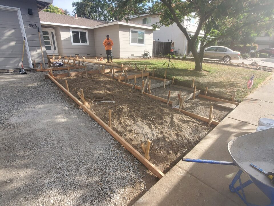 How to frame floating concrete steps